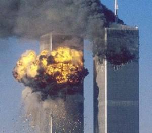Helyükre emelték a New York-i One World Trade Center csúcsának elemeit