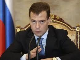 Medvegyev: nem érdemes visszatartani a külföldre készülő diplomásokat