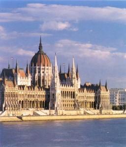 Ismét tizennégy egyházat ismert el a parlament