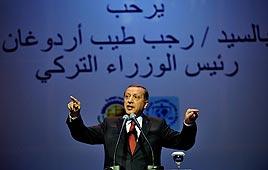 Szíria: a török miniszterelnök polgárháborútól tart