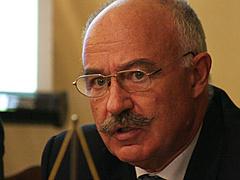 Martonyi: a kormány folyamatosan napirenden tartja a Benes-dekrétumok ügyét