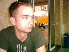 Pozitív hős, Magyarország 2012 – Bagi László újságíró jegyzete