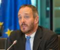 Hölvényi György : hatékonyan küzdeni a mesterségesen előállított transz-zsírsavak okozta megbetegedések ellen.
