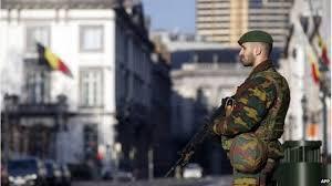 Egy fokozattal csökkentették a terrorkészültség szintjét Belgiumban