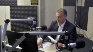 A kormányfő a Kossuth Rádió 180 perc című műsorában