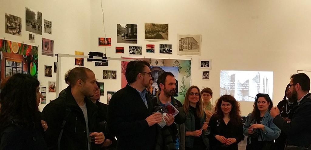 A kiállítás megnyitóján a művészeket az érdeklődő közönségnek Romsics Gergely a Balassi Intézet - a Hungarian Cultural Center New York igazgatója mutatta be.