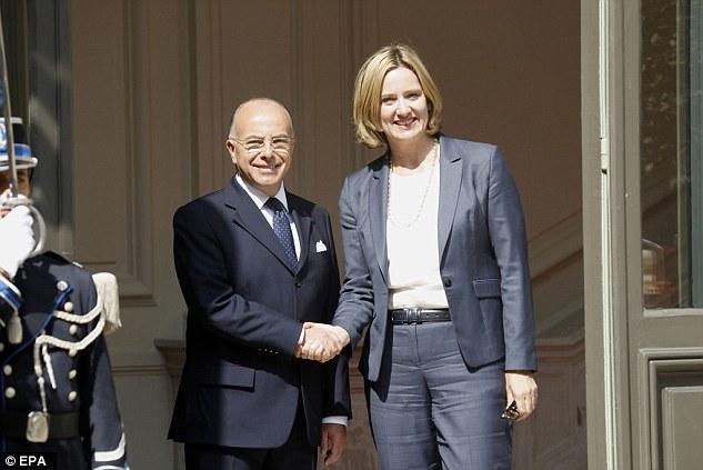 Szorosabb lesz az angol-francia együttműködés