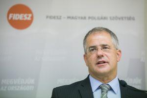 Kósa Lajos : Orbán Viktor beszédének a legfontosabb felvetése , hogy a 2018-as parlamenti választások után sikerül-e megvédeni az országot a migránsok áradatától.