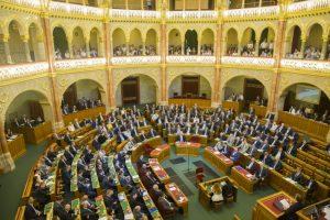 Az Országgyűlés ma kezdődő ülésén elindíthatja az Alkotmánybíróság hiányzó tagjai megválasztásának folyamatát