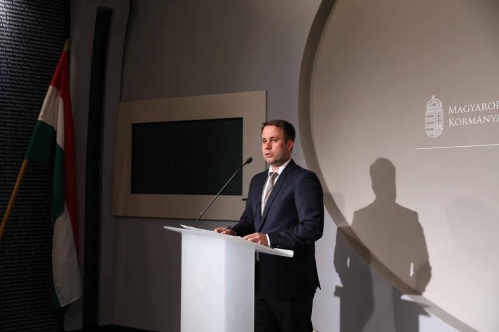 Dömötör Csaba csütörtöki budapesti sajtótájékoztatóján