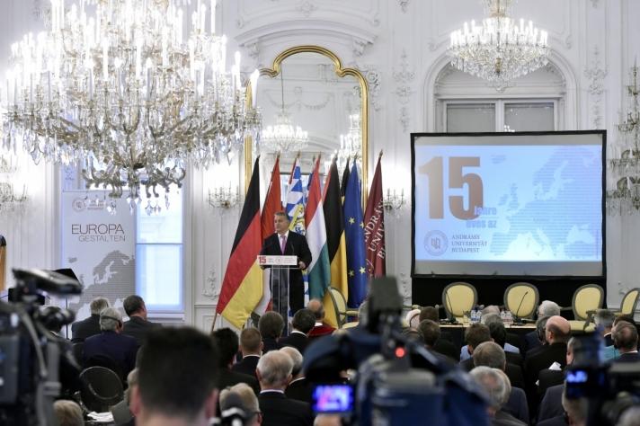 Orbán Viktor miniszterelnök az Andrássy Egyetem Budapest megalakulásának tizenötödik évfordulóján rendezett ünnepségen.