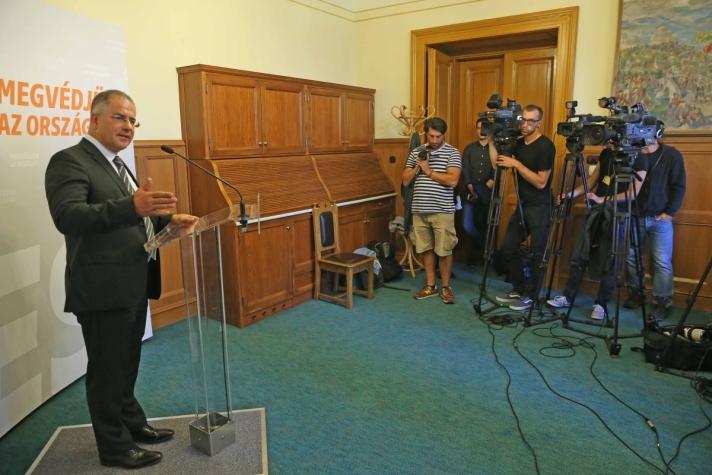 Kósa Lajos: Magyarország és a Magyar Honvédség erején felül teljesít a béke megteremtésével összefüggő feladatokban
