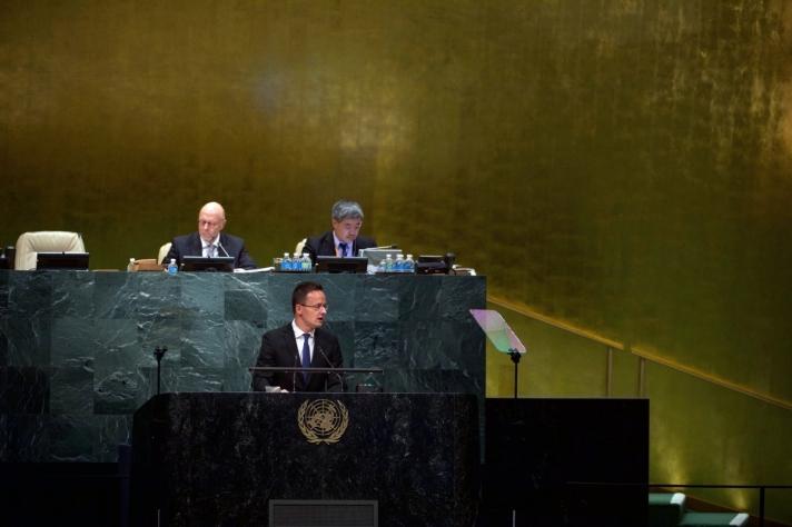 Magyarország akkor nem kapott kívülről segítséget