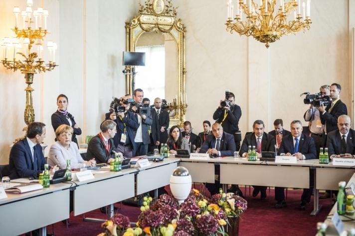 Orbán Viktor miniszterelnök az európai menekültügyi válságban leginkább érintett országok kormányfőinek bécsi csúcstalálkozója után.