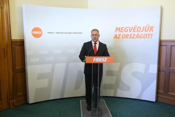 Kósa Lajos :Az Országgyűlés honvédelmi és rendészeti bizottsága zárt ülése után