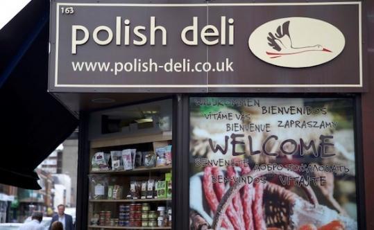 Megint lengyelekre támadtak