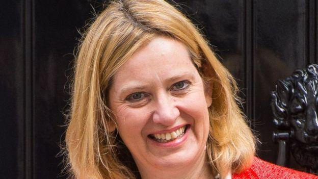Amber Rudd neve abban a kiszivárogtatott dokumentumtömegben tűnt fel, amely csaknem 176 ezer bahamai bejegyzésű offshore vállalkozás nevét tartalmazza.
