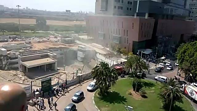Tel-Avivban a toronydaru rádőlt egy épületre a sebesültek száma kilenc