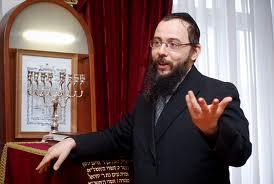 Oberlander Baruch lubavicsi rabbi beszélt a nagyünnepekről, valamint arról az 50 zsinagógáról, amit tíz éven belül nyitnának meg.   Breuerpress International